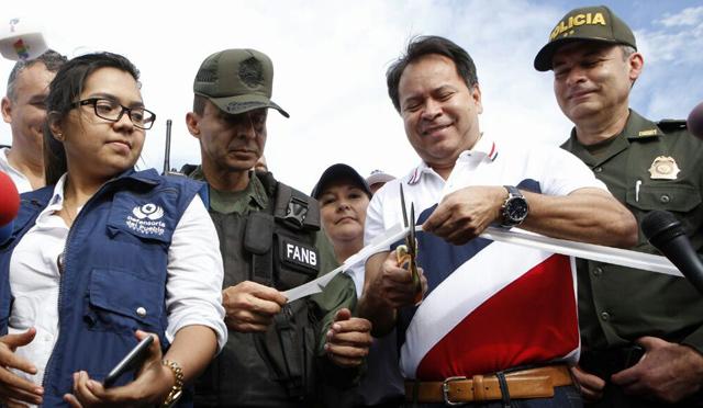 Frontera cerrada = Táchirta abastecido - Página 6 Gobernador