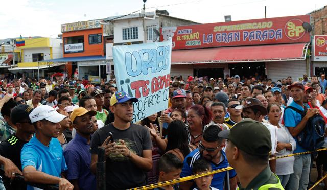 Ayuda militar extranjera: Única solución para evitar que continué genocidio narcocomunista.  - Página 6 Uribe3
