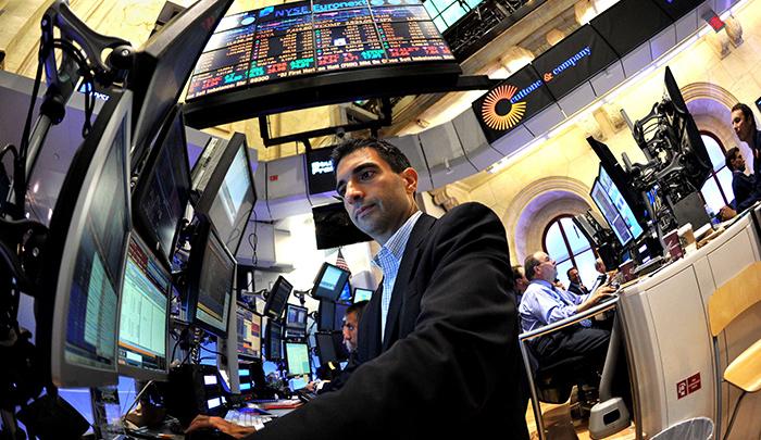 El dólar seguirá como el petróleo, al alza