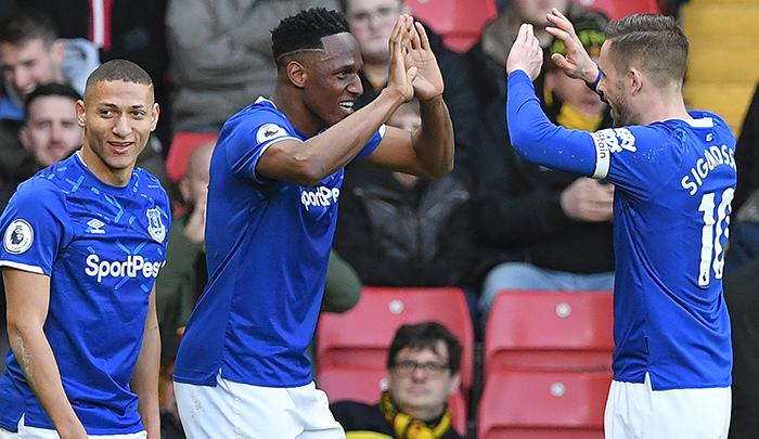 Yerry Mina marcó un doblete con el Everton