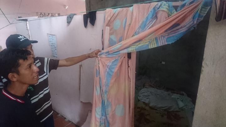 En pequeños espacios migrantes venezolanos viven hacinados.