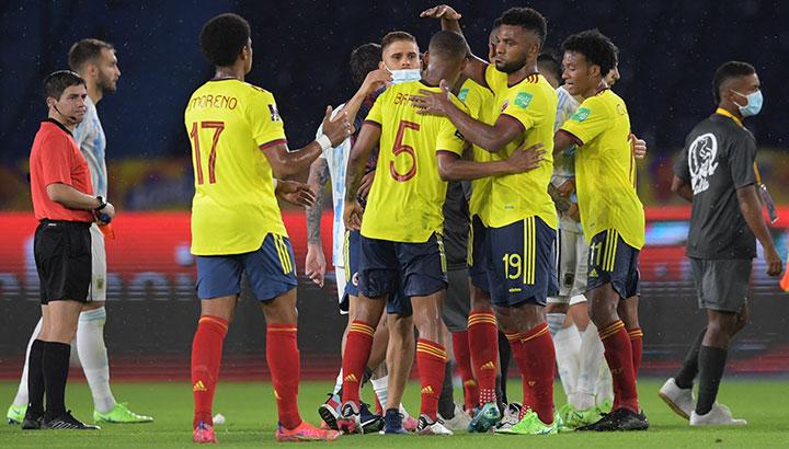 Colombia frente a Ecuador en la jornada uno de la Copa América